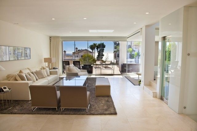 4 bed Villa for sale in The Golden Mile brought to you by Marbella Choice