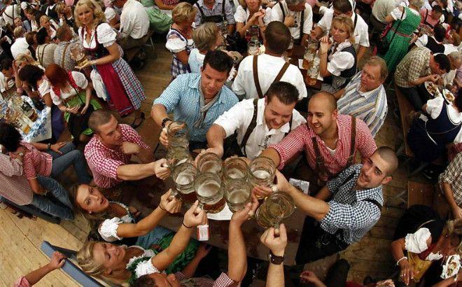 Gran Festival De La Cerveza Colonia Tovar Oktoberfest Hotel Klein Dorf (2 Noches - 3 Días)  * La Colonia Tovar los espera en el Oktoberfest, ven a disfrutar y alójate en el Hotel Klein Dorf.   Incluye  * Alojamiento en hab. doble 3 días - 2 noches  * Desayunos diarios   * Impuestos  * Almuerzo Alemán día sábado ( chuleta, dos tipos de salchichas, repollo agridulce, papas al vapor, postre y jugo)  * Día sábado 22 de octubre entrada al evento al Oktoberfest, disfrute de todas las actividades…