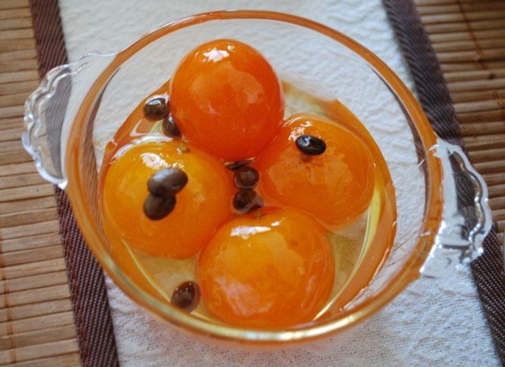 Mandalina reçeli hazırlanırken;     5 adet büyük mandalina,     1 kg . şeker,     500-750 gr. su,     1 limon suyu veya 1 gram  limo...