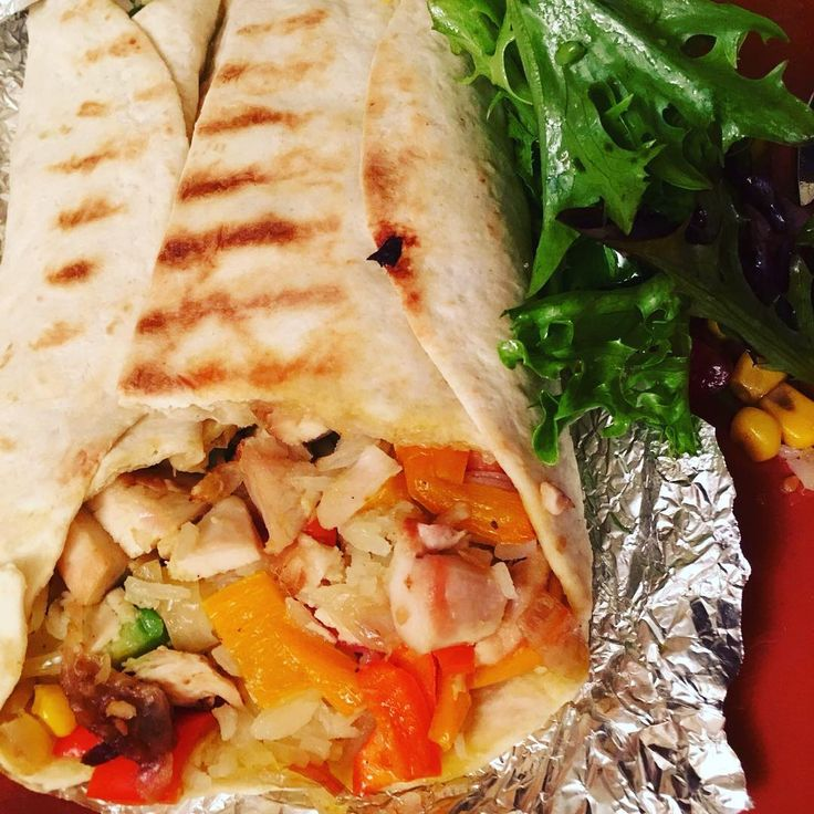 Chicken wrap with mixed fresh veggies salad, sweet & sour pepper & onions and basmati rice... Generously topped off  #wrap #burrito #mixedsalad #freshvegetables #mixedveggies #chickenburrito #chickenwrap #homecooking #complete #energetic #lunchtime #dinnertime #ilovecooking #warmcocotte #warmcocotterecipes #topped #generous