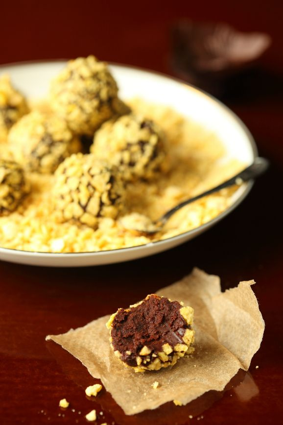 Crunchy chocolate truffle / Trufa crocante de chocolate