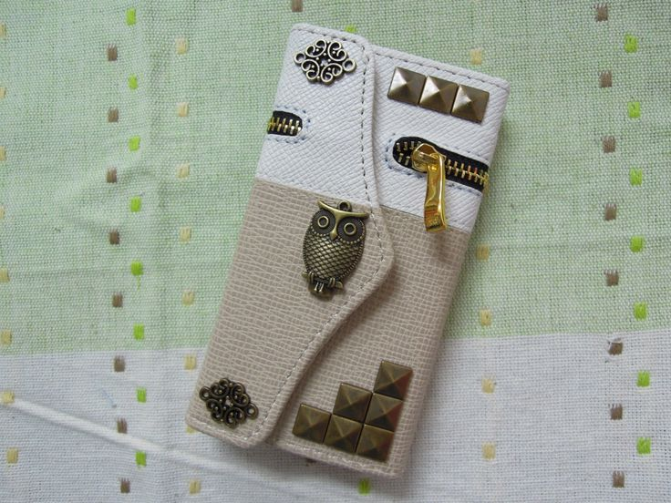 iPhone 5/5S Wallet Case-OWL / Rivet / Plant Studded White and Beige iPhone 5/5S Case /Credit Card Holder /iPhone 5/5S Zip Wallet
