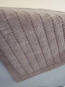 Lavori a maglia, 10 modelli per una copertina da bimbo. facile | diLanaedaltrestorie