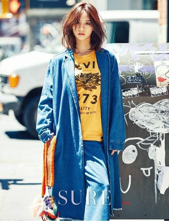 Girl's Day's Hyeri turned into a stylish New Yorker for her recent photoshoot with 'Sure'!After the …