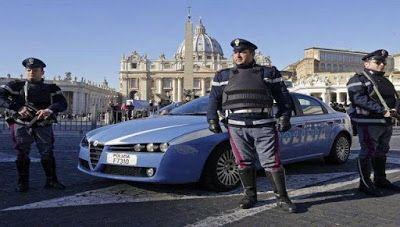 ΕΛΛΗΝΙΚΗ ΔΡΑΣΗ: ΔΙΕΘΝΗΣ ΑΣΦΑΛΕΙΑ Υμνητής του ISIS ο 20χρονος Ιταλο...