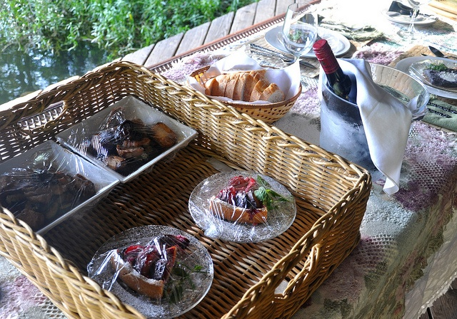 Catered by the excellent Chef John Makin of the Bakery & Cafe at Rose Cottage in Pine Mountain, Georgia by razorfamilyfarms, via Flickr
