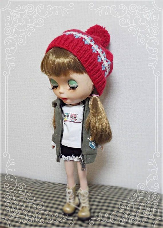 12 blythe doll knitted hat loose red