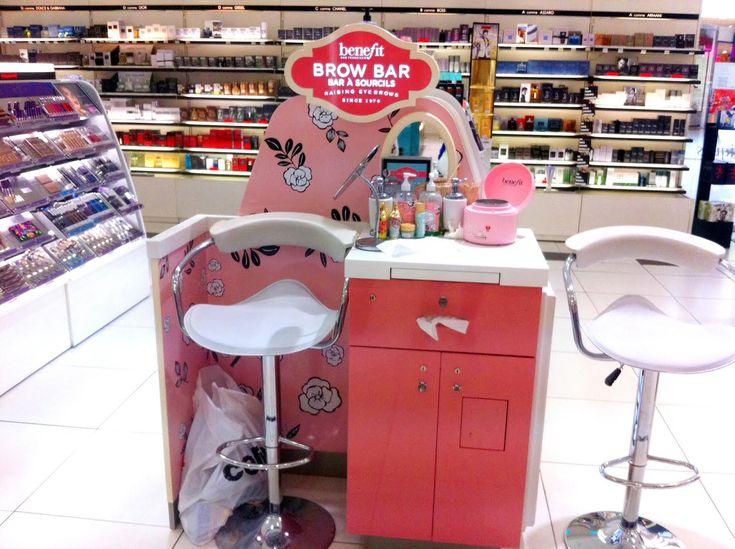 http://www.maquillage.com/jai-teste-lepilation-des-sourcils-au-brow-bar-benefit/ J'ai testé l'épilation des sourcils au Brow Bar Benefit