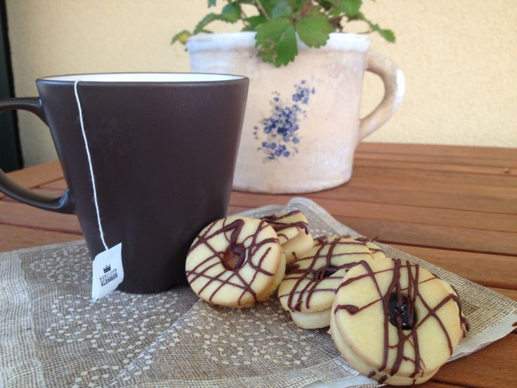 Short pastries with chocolate