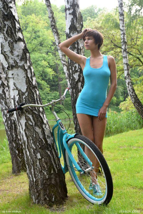 T2013Women Susi R  Bike-N-Skirts  Pinterest  Posts -1825
