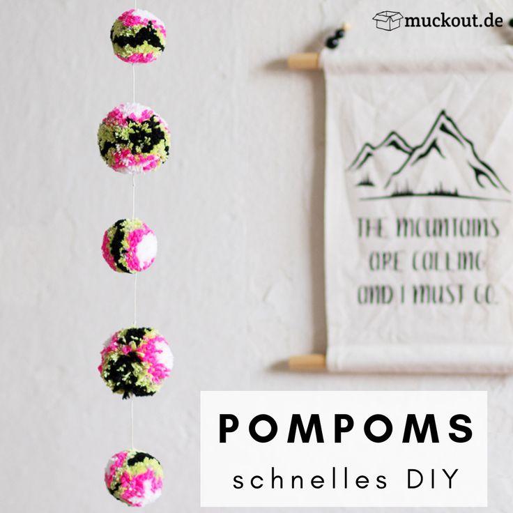DIY-Hack: Viele Pompoms schnell selbermachen – mit Draht Kleiderbügel