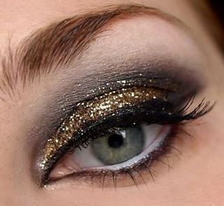 smokey metallic eye.