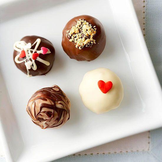 Between Naps on the Porch   25 Scrumptious Valentine's Day Desserts   http://betweennapsontheporch.net