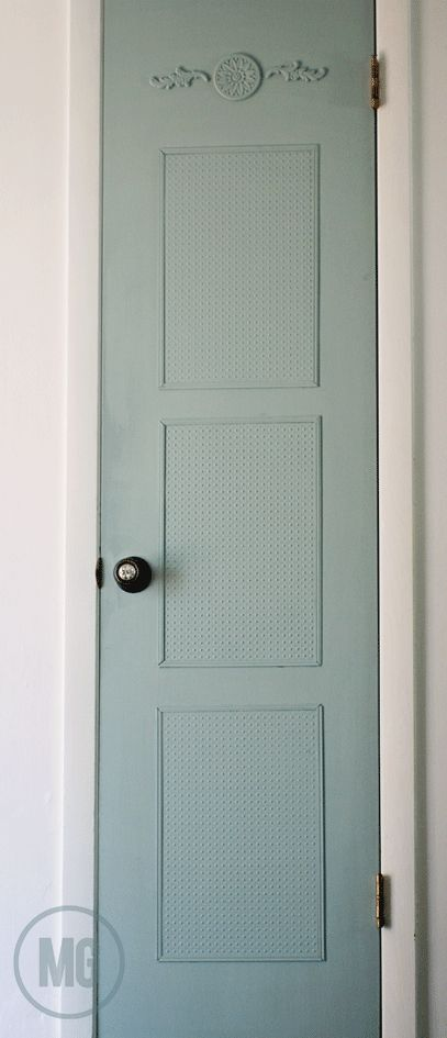 Midwestern Girl: how a little trip to @HobbyLobby helped gived my builder's grade pantry door some vintage style...