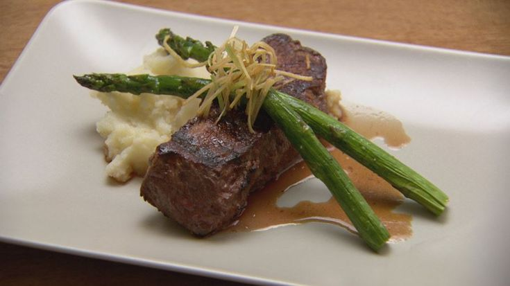Beef with Mash, Leeks and Asparagus Red Team 2016