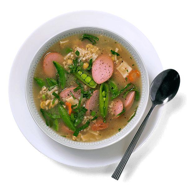 En betasuppe består gjerne av ting du har liggende i kjøleskapet. Bruke en suppepose som base og tilsett det du synes er godt. Oppskrift på Betasuppe.