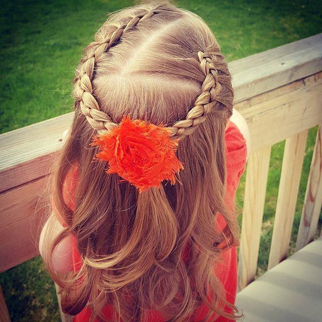 "Today we did a diagonal part with two #4strandbraid (s), and loose curls done with a 1"" iron. Happy Friday everyone!! #hairbybodi #hairinspo #hair #toddlerhairideas #toddlerhair #littlegirlhair #littlegirlhairstyles #braidideas #braidsofinstagram #braidaddict #peinados #flette #kidstyle #kidhair"