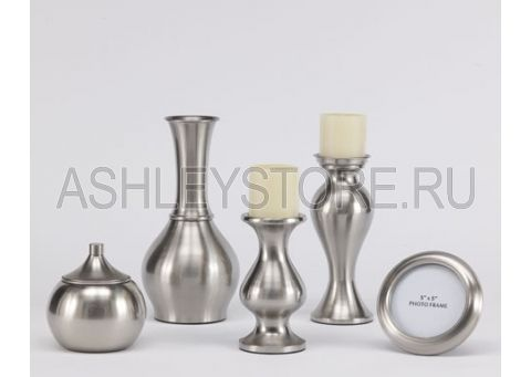 Набор аксессуаров состоит из 5 предметов: фоторамка, 2 подсвечника, 2 вазы, арт. A2C00088 | мебель Ashley в России