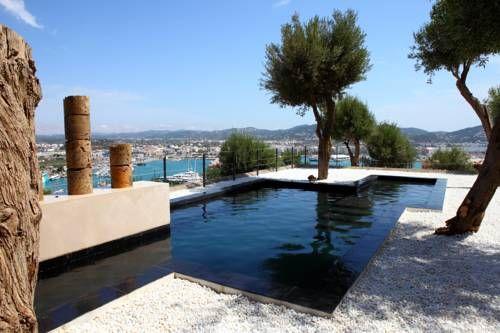 LA TORRE DEL CANONIGO (****) MATHIUS SCIOCCHETTO has just reviewed the hotel LA TORRE DEL CANONIGO in Ibiza - Spain #Hotel #Ibiza
