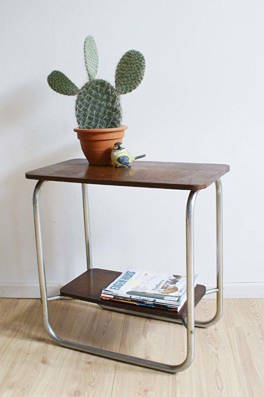 Vintage tafel in gispen stijl. Retro design bijzettafel   Kekke meubels   Flat Sheep