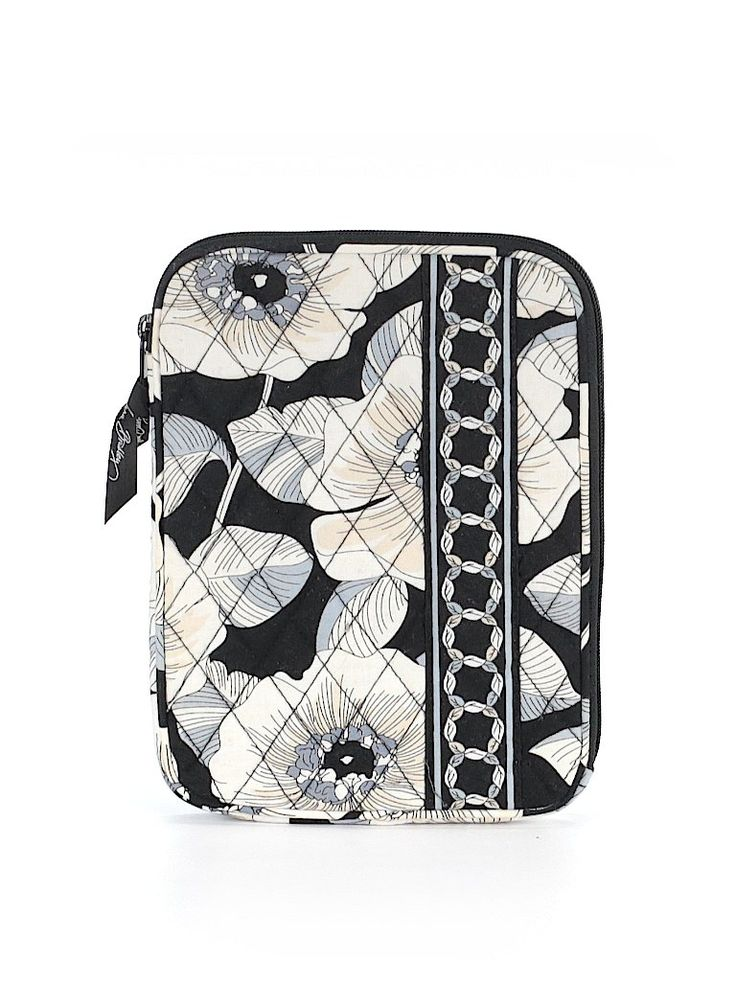 Check it out—Vera Bradley Laptop Bag for $44.99 at thredUP!