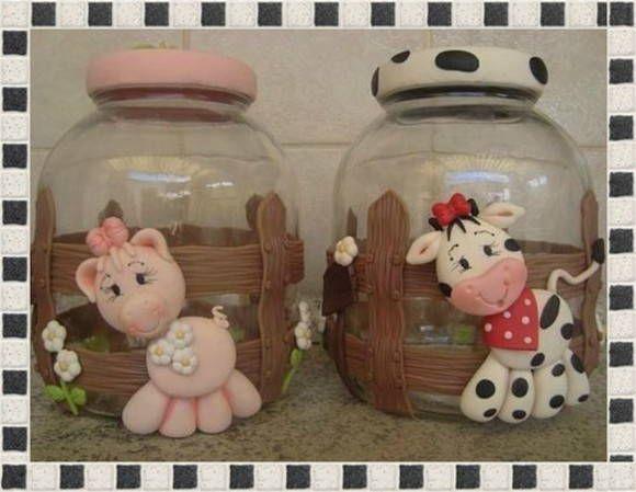 Potes decorados em biscuit Unidade sai por 50,00 reais. No jogo cada um sai por 37,50 . R$ 100,00