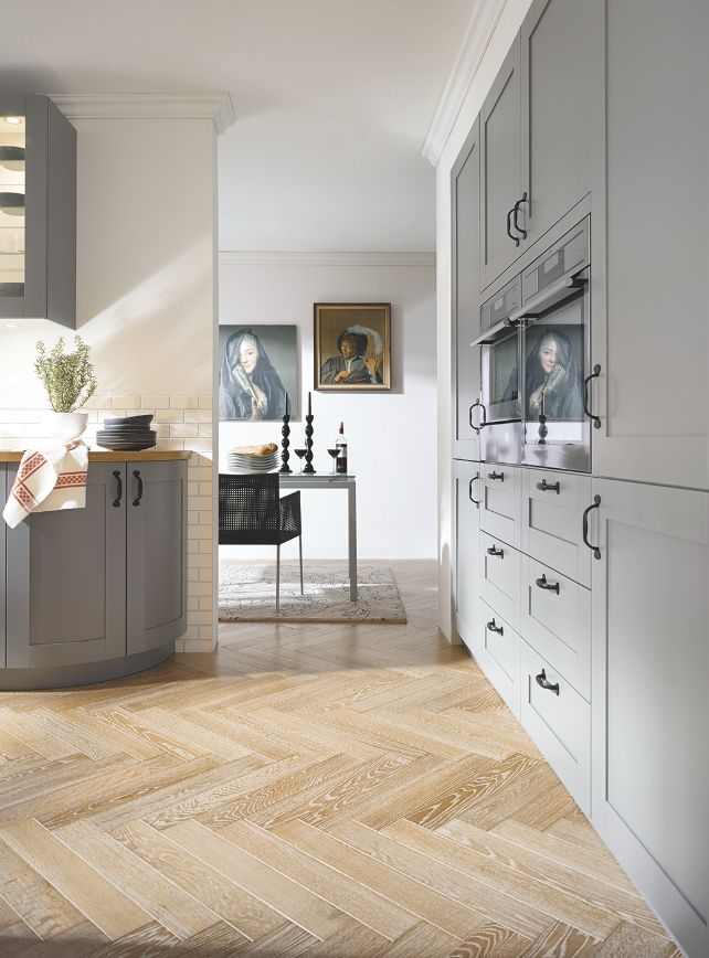 Classic meets contemporary – the new Casa scheme by Schuller is a happy compromise between country and contemporary. Shaker-style cabinetry and gentle curves on the corner units will satisfy traditionalists, while a modern palette of six colourways in cool greys, white and cream keeps the design fresh | Beautiful Kitchens Blog
