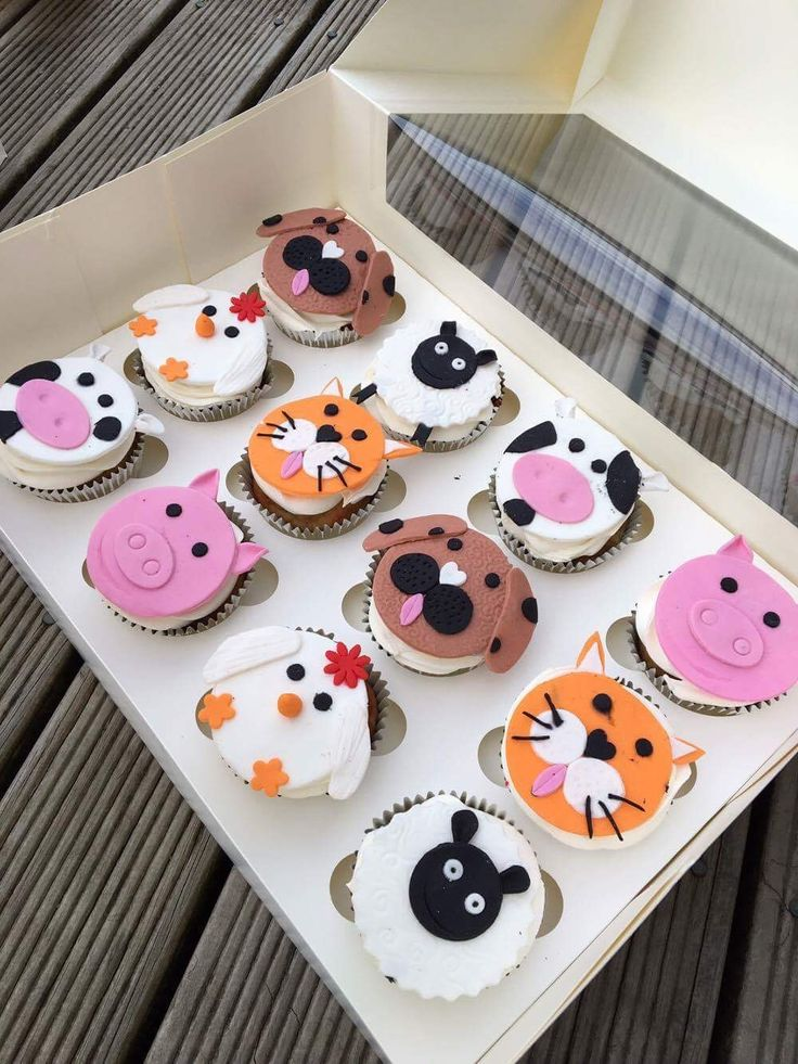 Farm animals! Sheep, Dog, Cat, Pig, Chicken & Cow cupcakes!  Check out my page https://www.facebook.com/frosted.cupcakes.invercargill/