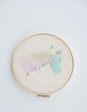 Embroidery by Arimoto Yumiko