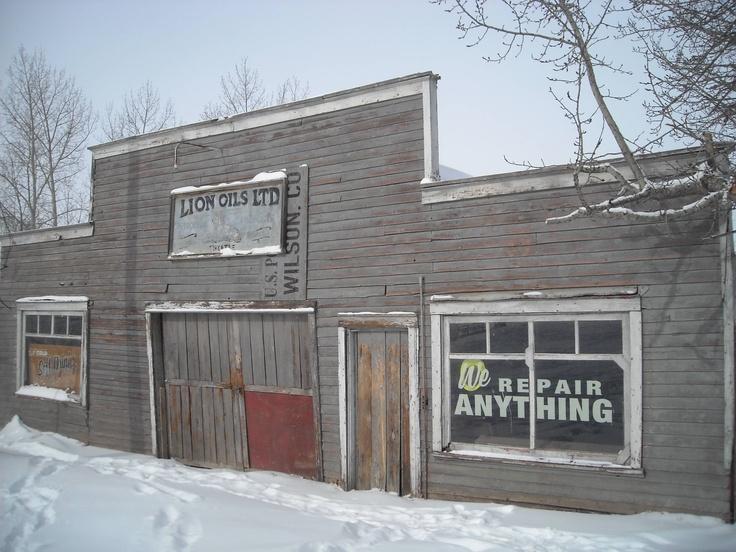 Abandoned garage built in 1920 alberta canada for Garage built ins