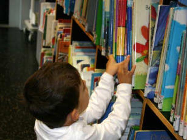 Unser Experte, der Autor von Hexe Lilli, gibt Lesetipps für Leseratten. Von Märchen bis zu tollen Fantasie-Geschichten: Diese Schmöker begeistern Kinder.