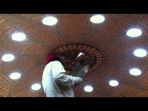 Bóveda Catalana de cañón para escalera en esquina, construcción artística. - YouTube