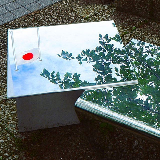 【takashi3216】さんのInstagramをピンしています。 《日の丸映る  十和田市  官庁街通り  晴天の日に  青天の霹靂  桜の木と共に  #towada #aomori #japan #asia #photo #photograph #camera #nikon #d7000 #art #sky #cloud #cherrytree #chair #十和田 #青森 #日本 #アジア #写真 #カメラ #一眼レフ #ニコン #芸術 #空 #雲 #桜 #椅子 #日の丸 #青天の霹靂 #東京カメラ部》