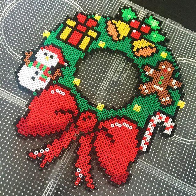Christmas wreath perler beads by fr_nicole