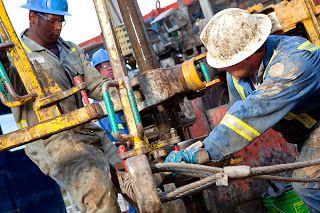 What is the starting salary? http://www.howtogetaoilrigjob.com/