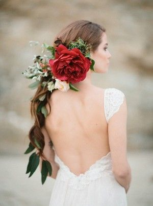 romantic wedding hair - photo by Apryl Ann Photography