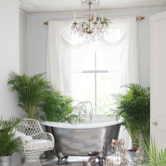 15 best Bathrooms images on Pinterest Luxurious bathrooms - kronleuchter für badezimmer