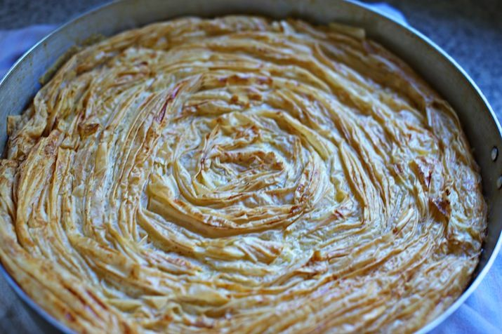 If you are not Greek and you have no idea what Bougatsa is, you can read a description here. For this post, I write 'Bougatsa' with inverted commas because this is not ACTUALLY 'Bougatsa' but my fa...