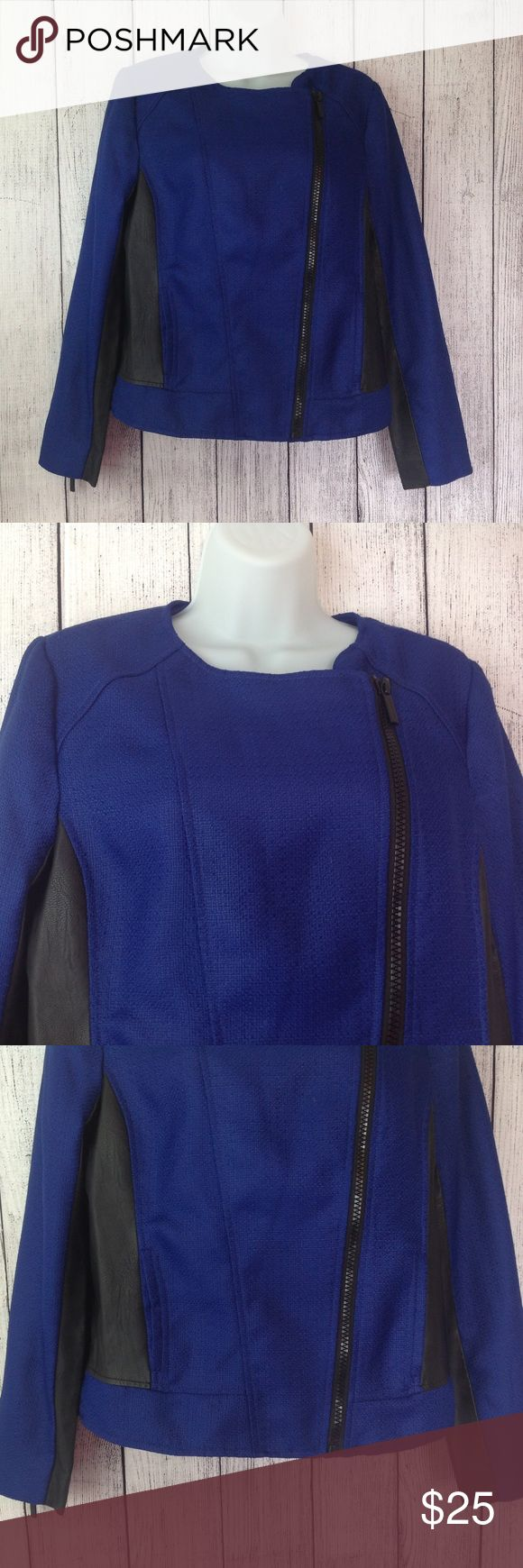 """MK Michael Kors Jacket Maker: MK Michael Kors ♥ Material: Polyester ♥ Color: Blue and Black ♥ Measured Size: Pit to pit- 19"""" Pit to cuff- 17"""" Shoulder to waist- 23""""  ♥ Tag Size:  8 ♥ Actual Size: 8 PLEASE CHECK YOUR ACTUAL MEASUREMENTS TO MAKE SURE IT IS THE RIGHT SIZE! THANKS! ♥ Condition: Excellent Used Condition ♥ Item #: (office use only) A  Follow us on Instagram and facebook for coupon codes!  INSTAGRAM-thehausofvintage1984 Facebook- intergalactic haus of vintage 1984 or…"""