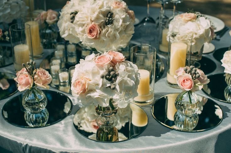 Оформление стола молодоженов, композиции и свечи на pthrfkf[/Wedding centerpieces on the mirrors