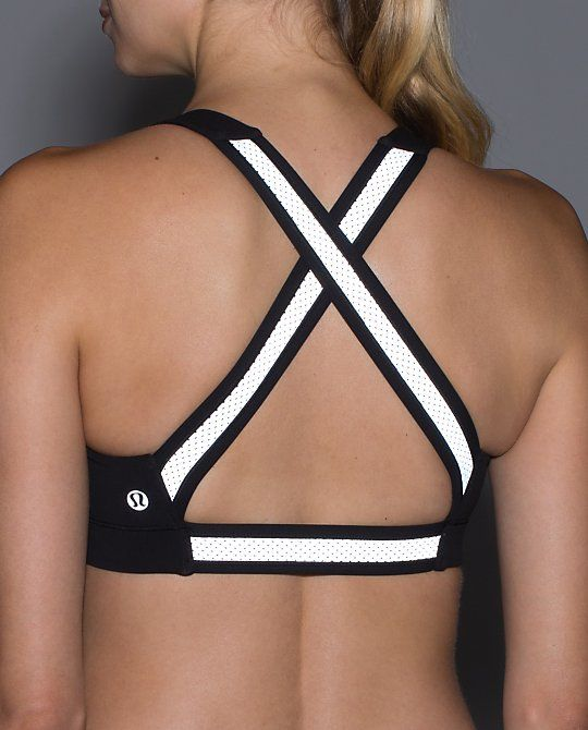 Loving this In A Flash Bra II*Reflective by @lululemon  #fitchicks #fashion #fitness