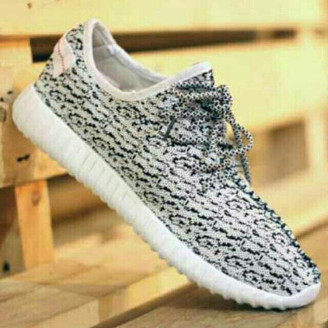 Saya menjual Sepatu adidas terbaru yeezy casual putih running murah sekolah superstar yezzy seharga Rp190.000.  Pin:   2BE8C80C SMS/WA: 085317847777 LINE: Sepatu Aneka Model www.butikfashionmurah.com