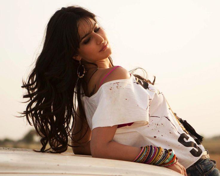 Katrina in white tees