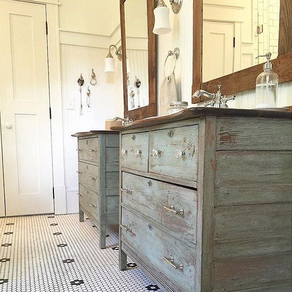 Did you see the vanities that @blessedmommatobabygirls painted with @mmsmilkpaint ?!? Wow! Just, wow.... #mmsmilkpaint #iheartmilkpaint
