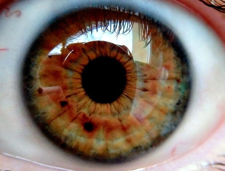 right eye by MisterMettler.deviantart.com