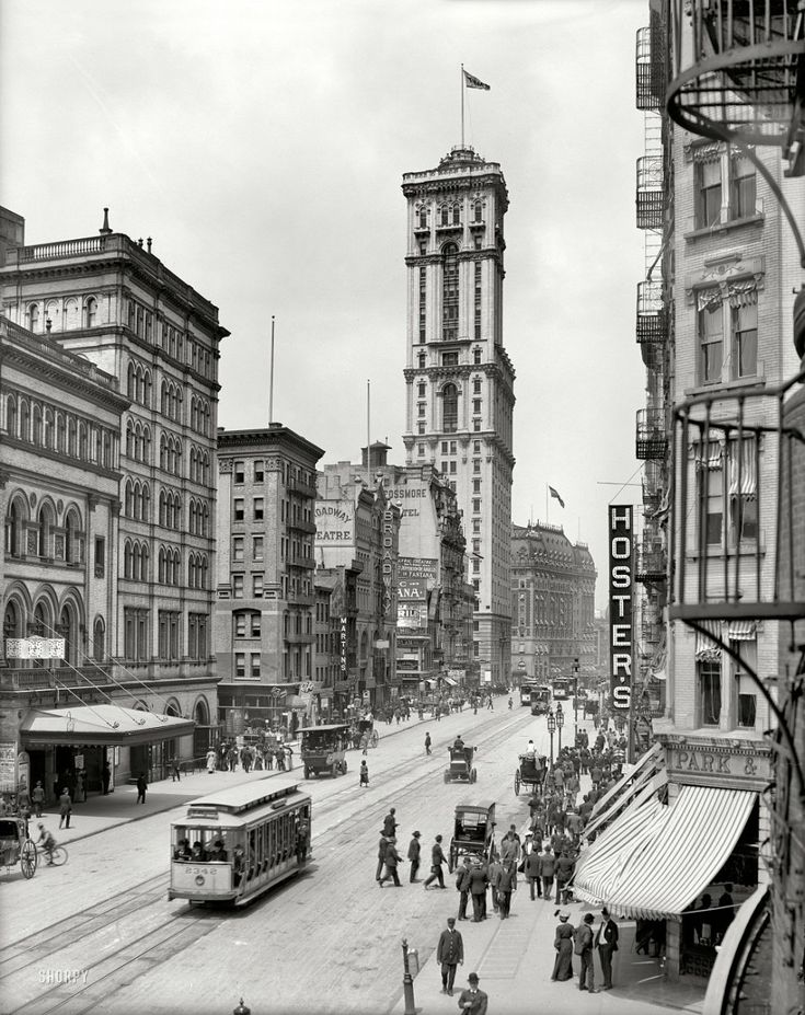 """Broadway and the building of """"The Times"""", New York, 1915."""