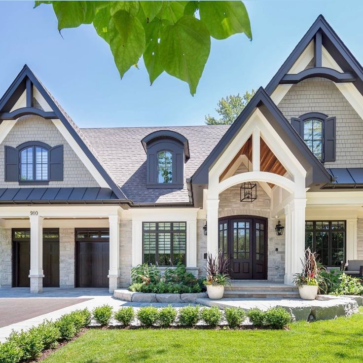 17 Best Ideas About Craftsman Style Homes On Pinterest