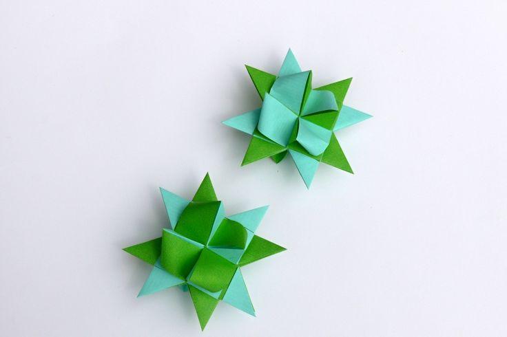 Hvězdičky+z+papíru+nejen+vánoční+9+cm+Hvězdičky+jsou+vyrobeny+z+pevnějšího+kraftového+papíru+a+mají+velikost+9+cm.+Hvězdičky+jsou+hodné+k+zavěšení+na+vánoční+stromeček,+nebo+jako+dekorace+na+vánoční+věnec,+k+výrobě+vánoční+girlandy.+Můžou+také+sloužit+jako+svatební+dekorace.+Cena+za+1+ks.+
