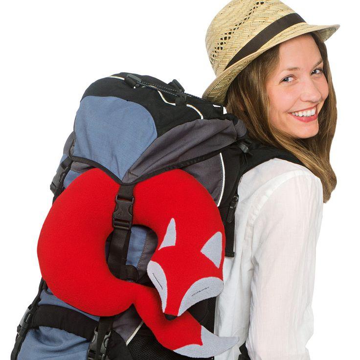 Mit dem Nackenkissen, das sich wie ein Fuchsschwanz um Ihren Hals legt, können Sie extrem entspannt auch lange Reise-Strecken zurücklegen.