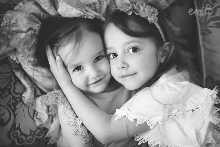 Sister Poses | family poses |  emiB Photography